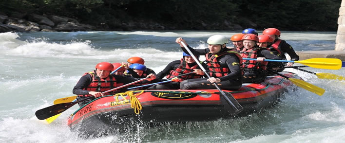 Le Rafting pour les addicts des sports en eaux vives